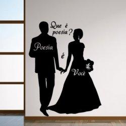 Casal de Noivos Apaixonados