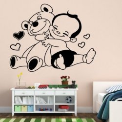 Bebê com o seu Urso Amoroso