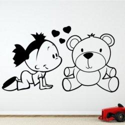 Pequena com o seu Urso Amoroso