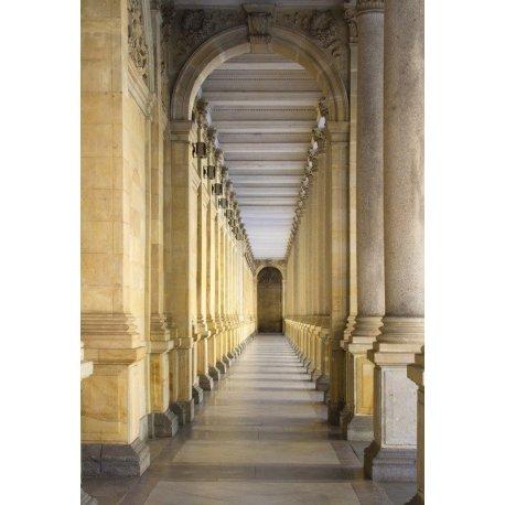 Corredor de Colunas Clássicas