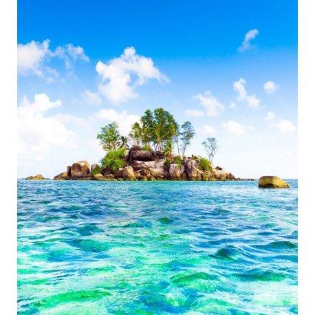 Pequena Ilha no Mar Turquesa