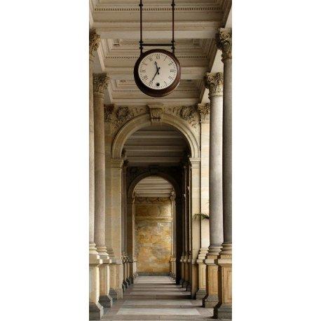 Relógio sobre o Passeio de Colunas