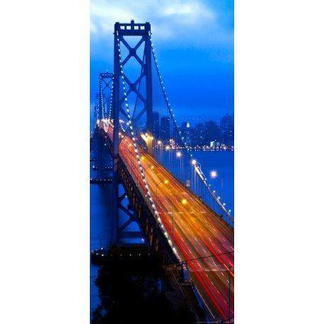 Ponte Iluminada na Grande Cidade