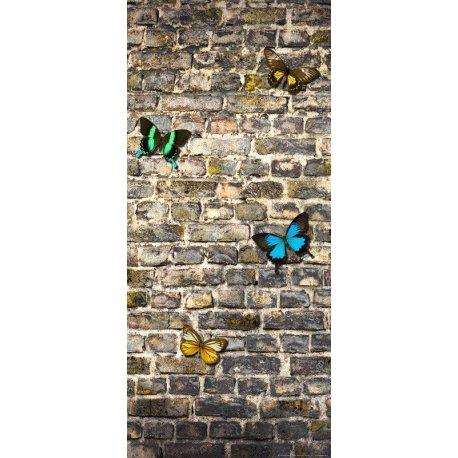 Muro de Tijolos com Borboletas de Cor