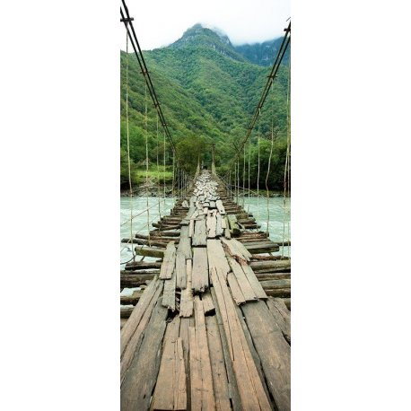 Velha Ponte Suspensa sobre o Rio