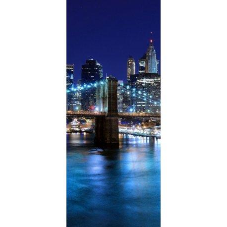 Rio Iluminado pelas Luzes da Grande Cidade