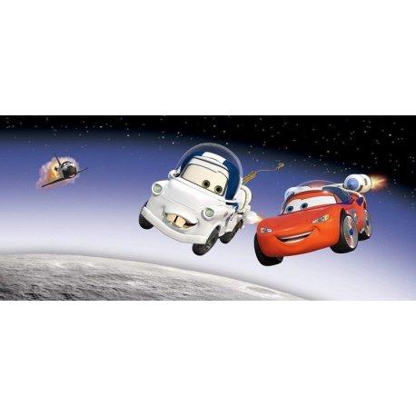 Relâmpago McQueen e Mate no Espaço