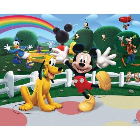 Pluto e Rato Mickey Jogando ao Ar Livre