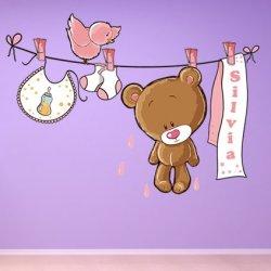 Pequeno Ursinho Cor-de-Rosa e Corda da Roupa