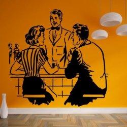 Casal em no Banco dum Bar