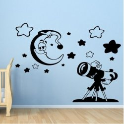 Bebê Mirando a Lua